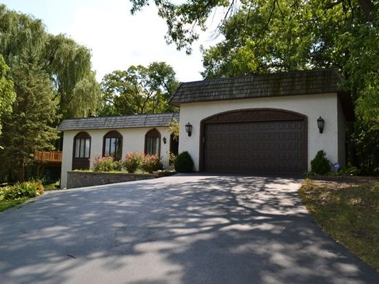 6413 Vermont Trl, Crystal Lake, IL 60012