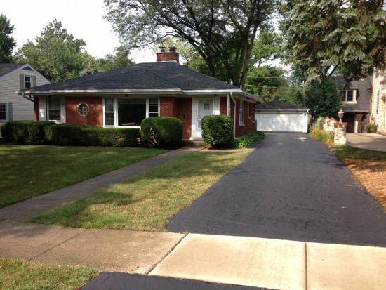114 Arthur Ave, Clarendon Hills, IL 60514