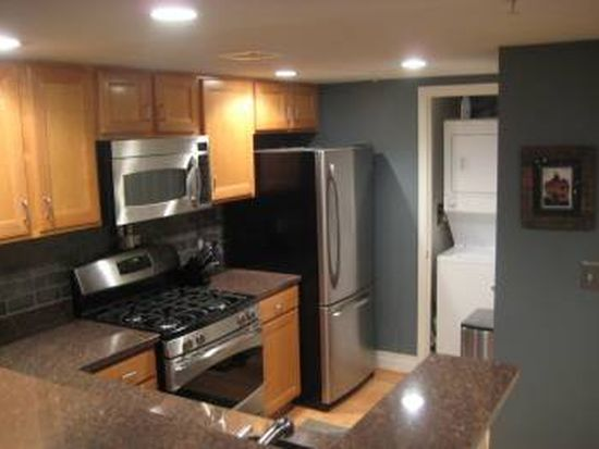 414 Water St APT 2706, Baltimore, MD 21202