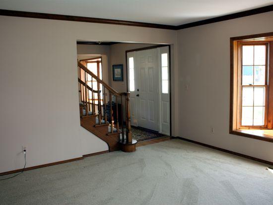 117 Carrol Rd, Saint Charles, IL 60174