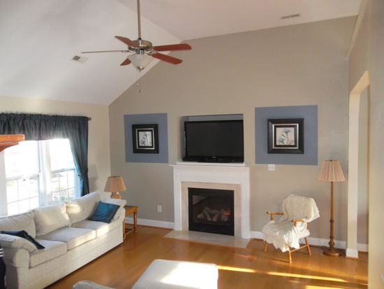 208 Braxcarr St, Holly Springs, NC 27540