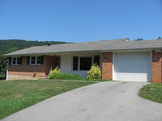 304 Dawnridge Ln, Troutville, VA 24175