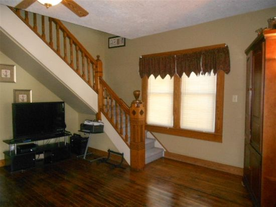 1445 Maple Ave, Terre Haute, IN 47804