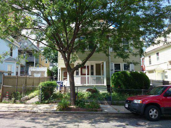 12 Holiday St, Dorchester, MA 02122
