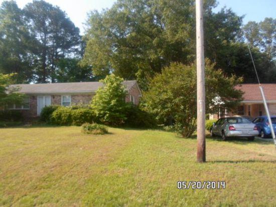 104 Castle Dr, Smithfield, NC 27577