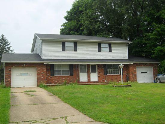 4992-4994 Pamela Dr, Akron, OH 44319