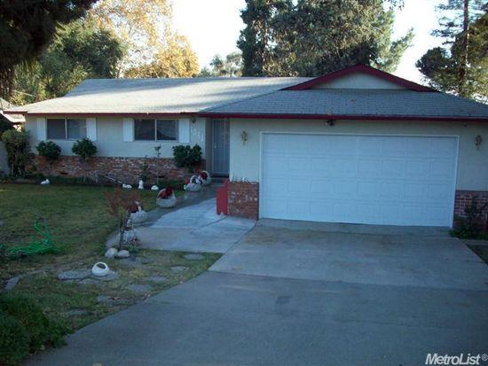 1041 E C St, Oakdale, CA 95361