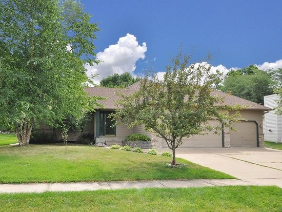 6864 Timber Crest Dr, Maple Grove, MN 55311