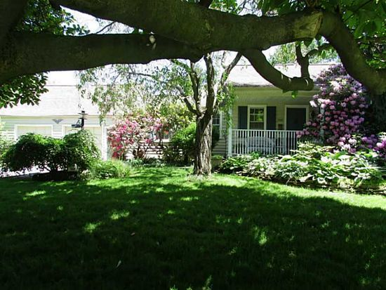 566 Cohassett Dr, Hermitage, PA 16148