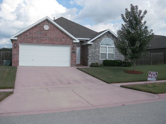 1594 N Oakhaven Pl, Fayetteville, AR 72704