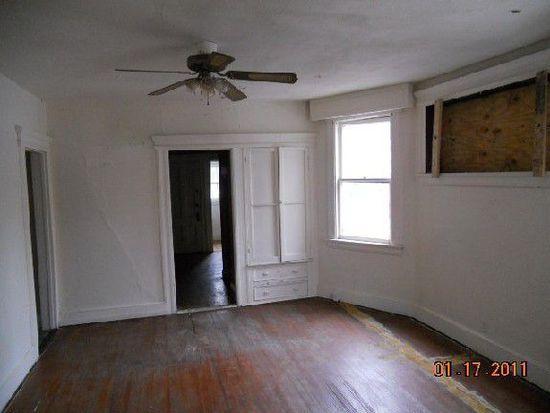 17 New St, East Orange, NJ 07017