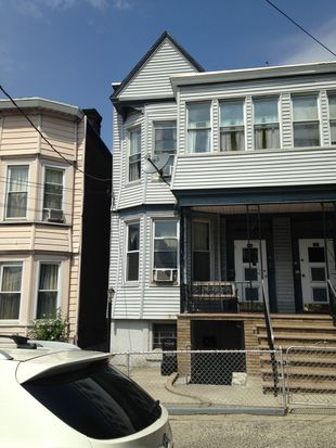 106 Cottage St, Jersey City, NJ 07306