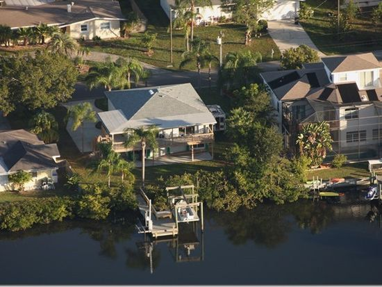 311 Lagoon Dr, Palm Harbor, FL 34683