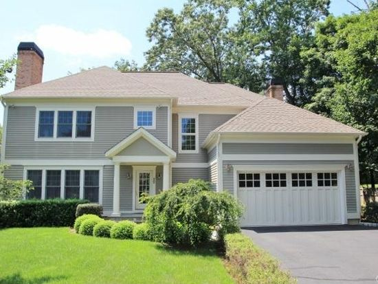 20 Mid River Run Rd, Stamford, CT 06902