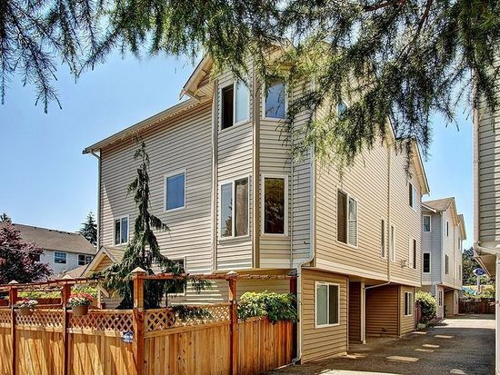 11517 28th Ave NE APT A, Seattle, WA 98125