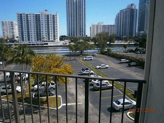 800 Parkview Dr APT 528, Hallandale Beach, FL 33009