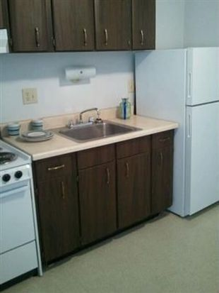 2425 Laclede Station Rd APT 8, Maplewood, MO 63143