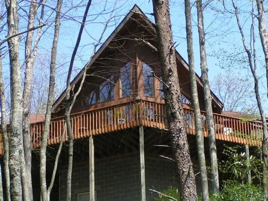 507 Fox Hills Rd, Robbinsville, NC 28771