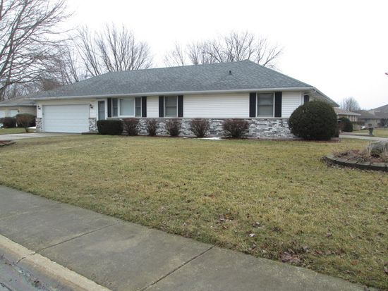 392 S Walnut St, Manteno, IL 60950