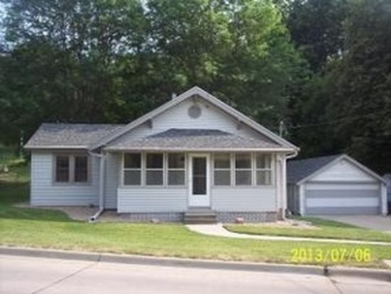 327 Spencer Ave, Council Bluffs, IA 51503