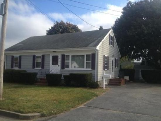 30 Meadow Ln, Acushnet, MA 02743