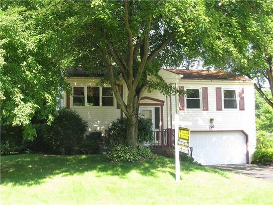 1339 Wakefield Dr, Hermitage, PA 16148