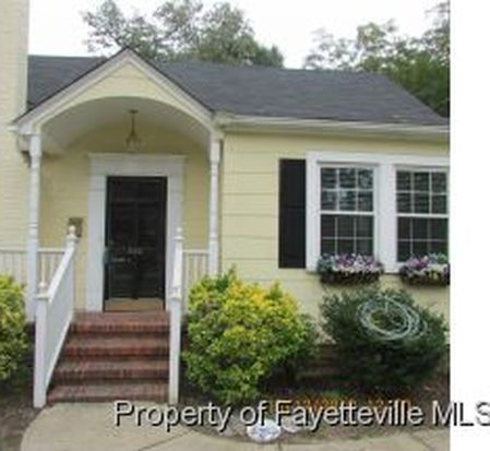302 N Churchill Dr, Fayetteville, NC 28303