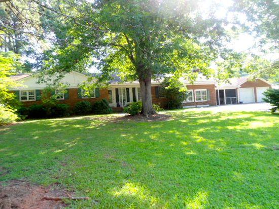 205 Cedar Ln, Washington, NC 27889