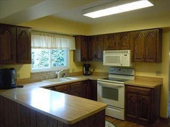 18592 Saratoga Trl, Strongsville, OH 44136