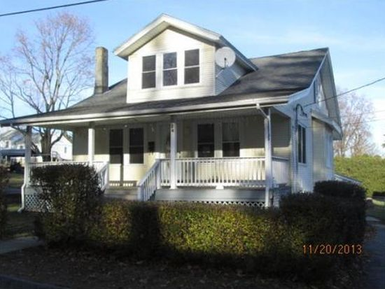 24 Wayside Rd, Worcester, MA 01605