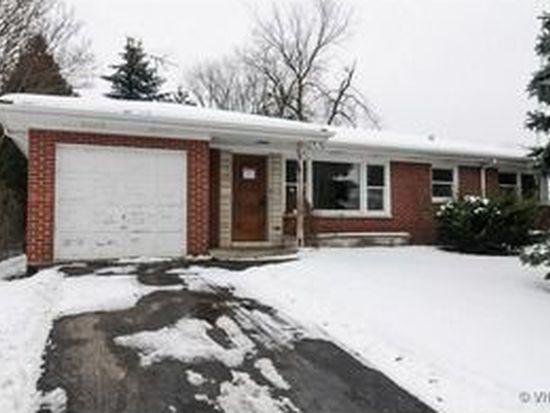 32897 N Rolling Hills Rd, Grayslake, IL 60030
