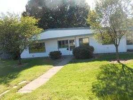 370 S Crescent Dr, Hermitage, PA 16148