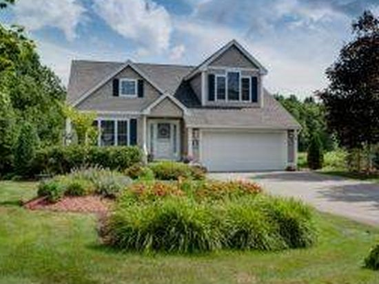 10 Twin Pond Cir, Exeter, NH 03833