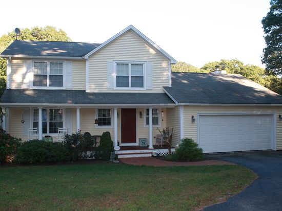 55 Whispering Pines Ter, West Greenwich, RI 02817