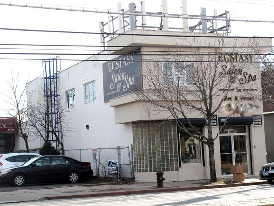 4022 Hylan Blvd # 1, Staten Island, NY 10308
