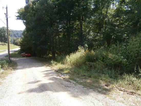 7195 Bartlettsville Rd, Heltonville, IN 47436
