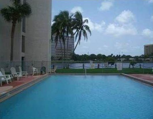 5201 NW 7th St APT 405, Miami, FL 33126