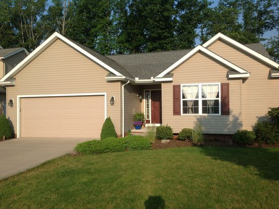15136 Woodsong Dr, Middlefield, OH 44062