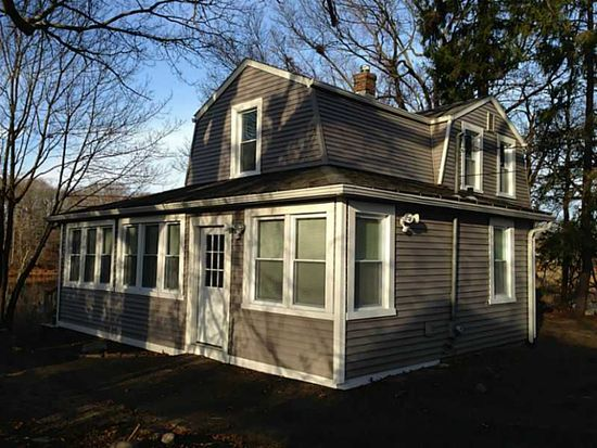 40 Booth Ave, Riverside, RI 02915