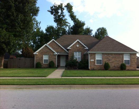 3953 W Tanyard Dr, Fayetteville, AR 72704