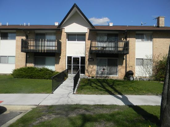 22 Kingery Quarter 102, Hinsdale, IL 60527