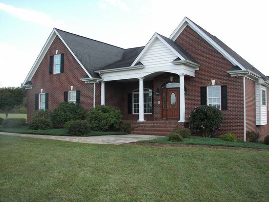 2262 Overlook Rd, Denton, NC 27239