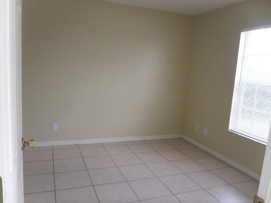 3940 20th St W, Lehigh Acres, FL 33971