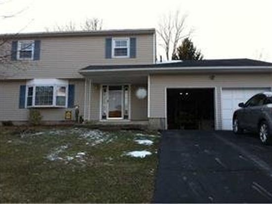 319 Burroughs Ln, New Windsor, NY 12553