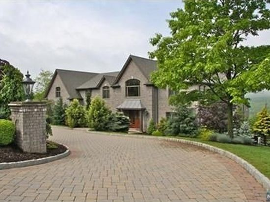 19 Tudor Rose Ter, Mahwah, NJ 07430