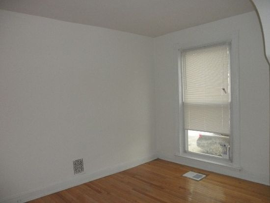7 N Linwood Ave, Baltimore, MD 21224