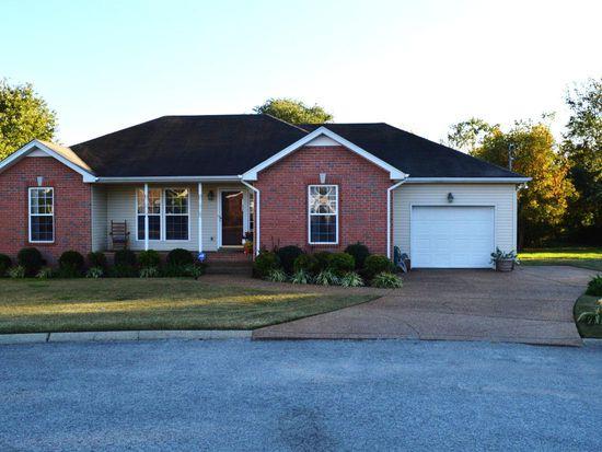 111 Edgeview Ct, Hendersonville, TN 37075