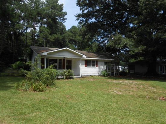 115 Lake Ave, Dudley, NC 28333