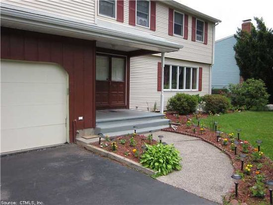 111 Hang Dog Ln, Wethersfield, CT 06109