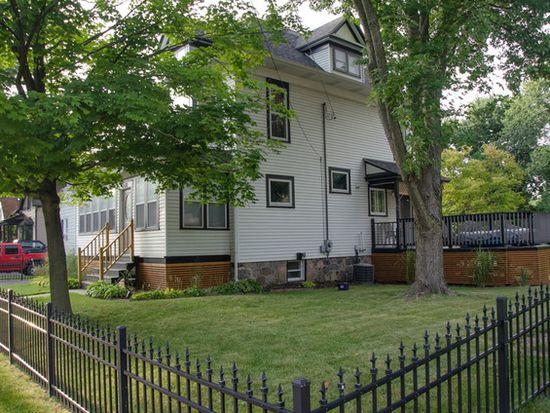420 E Calhoun St, Woodstock, IL 60098